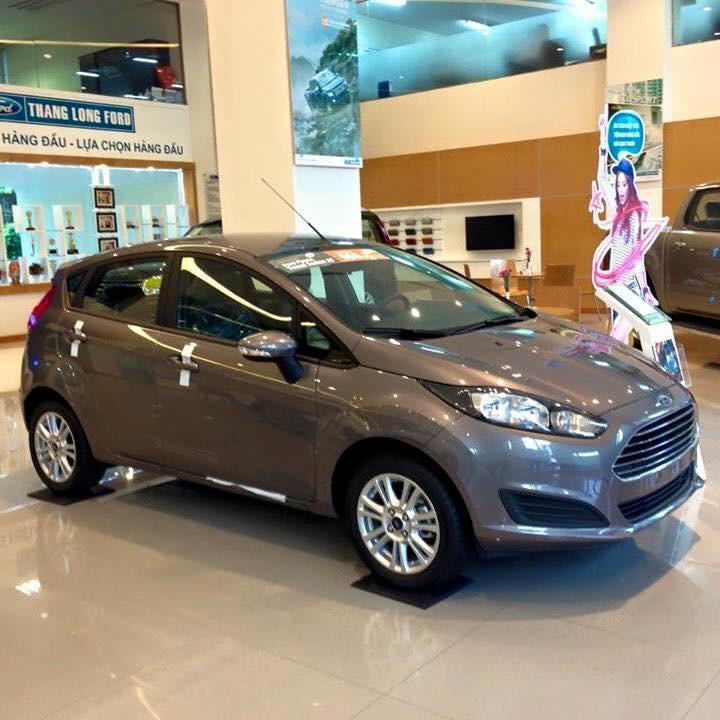 Bán Ford Fiesta 1.5 Sport 2018, màu ghi ánh thép, mới 100%. L/H giá tốt 090.778.2222