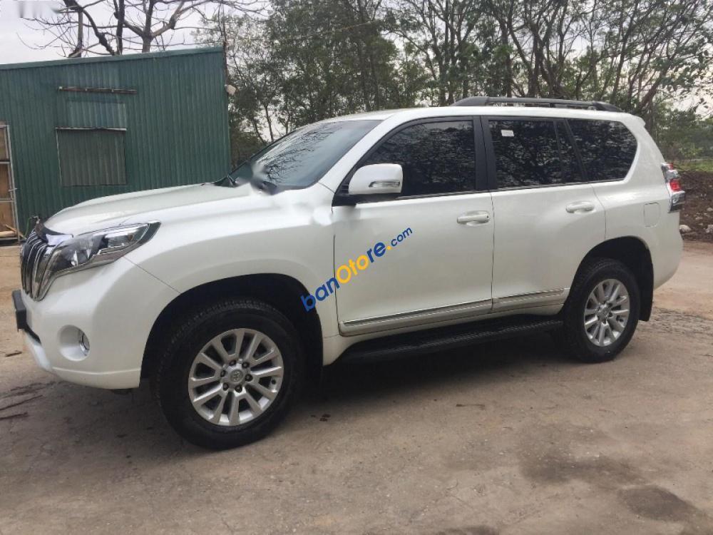 Cần bán Toyota Prado đời 2016, màu trắng, nhập khẩu chính chủ