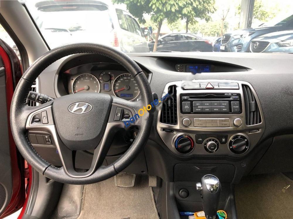 Cần bán gấp Hyundai i20 Facelift sản xuất 2013, màu đỏ, xe nhập như mới