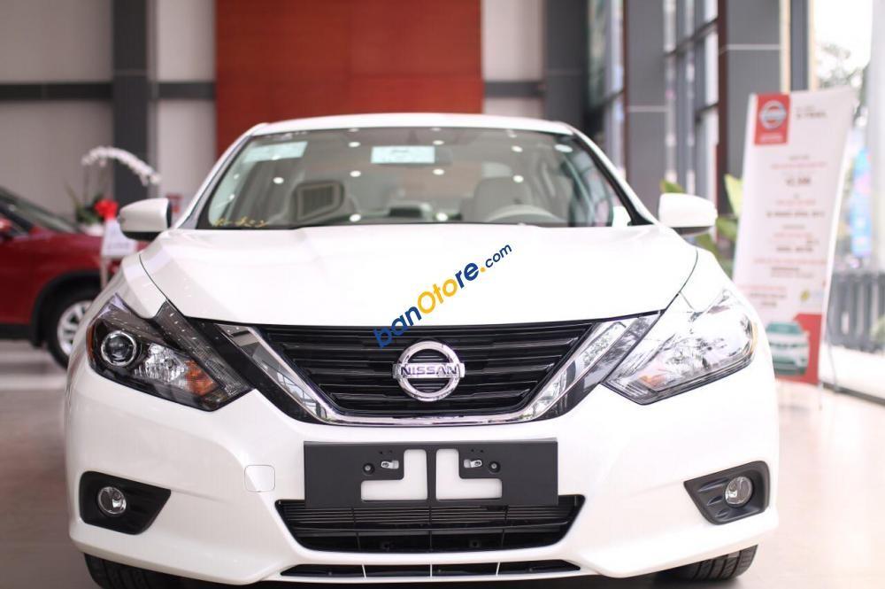 Bán Nissan Teana 2.5 SL trắng, xe nhập Mỹ, giảm giá 200tr, xe giao ngay