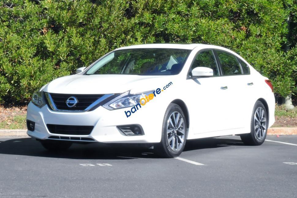 Cần bán Nissan Teana 2.5 SL 2017, màu trắng, xe nhập, giá cạnh tranh nhất Hà Nội