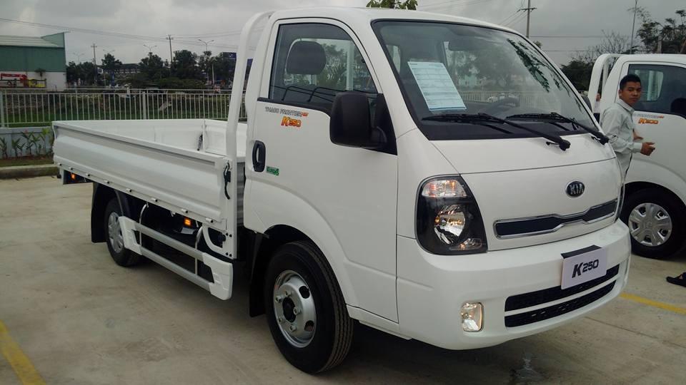 Bán xe tải Kia K250 máy điện 2018 thùng lửng tải 2 tấn 4 giá rẻ tại Hà Nội. LH 0936127807 mua xe trả góp