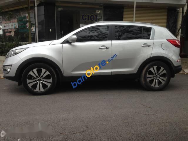Cần bán xe Kia Sportage sản xuất 2010, màu bạc, 565tr