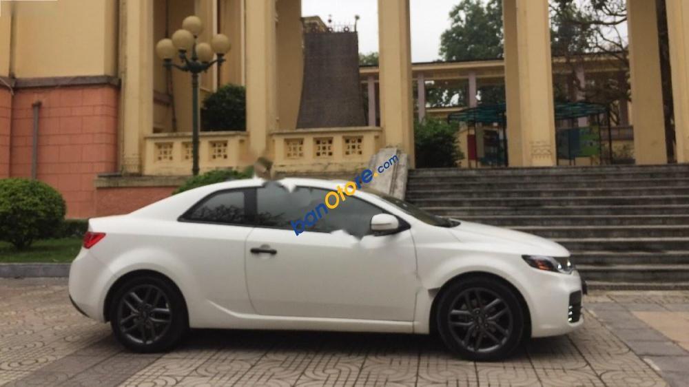 Cần bán gấp Kia Forte Koup đời 2011, màu trắng, nhập khẩu, giá cạnh tranh