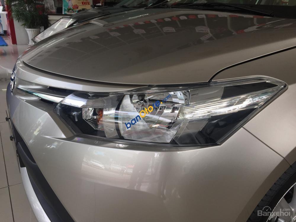 Cần bán xe Toyota Vios 1.5E sản xuất 2018, màu bạc