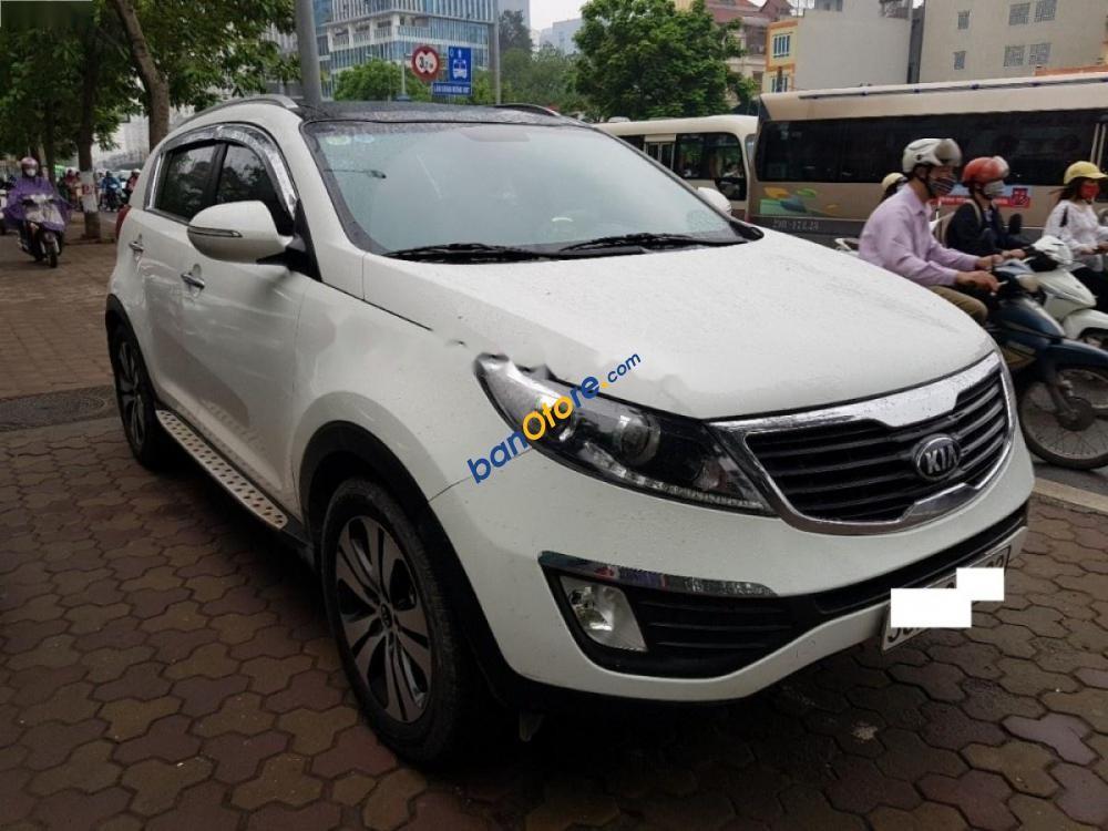 Cần bán gấp Kia Sportage 2.0AT 2013, màu trắng, nhập khẩu nguyên chiếc
