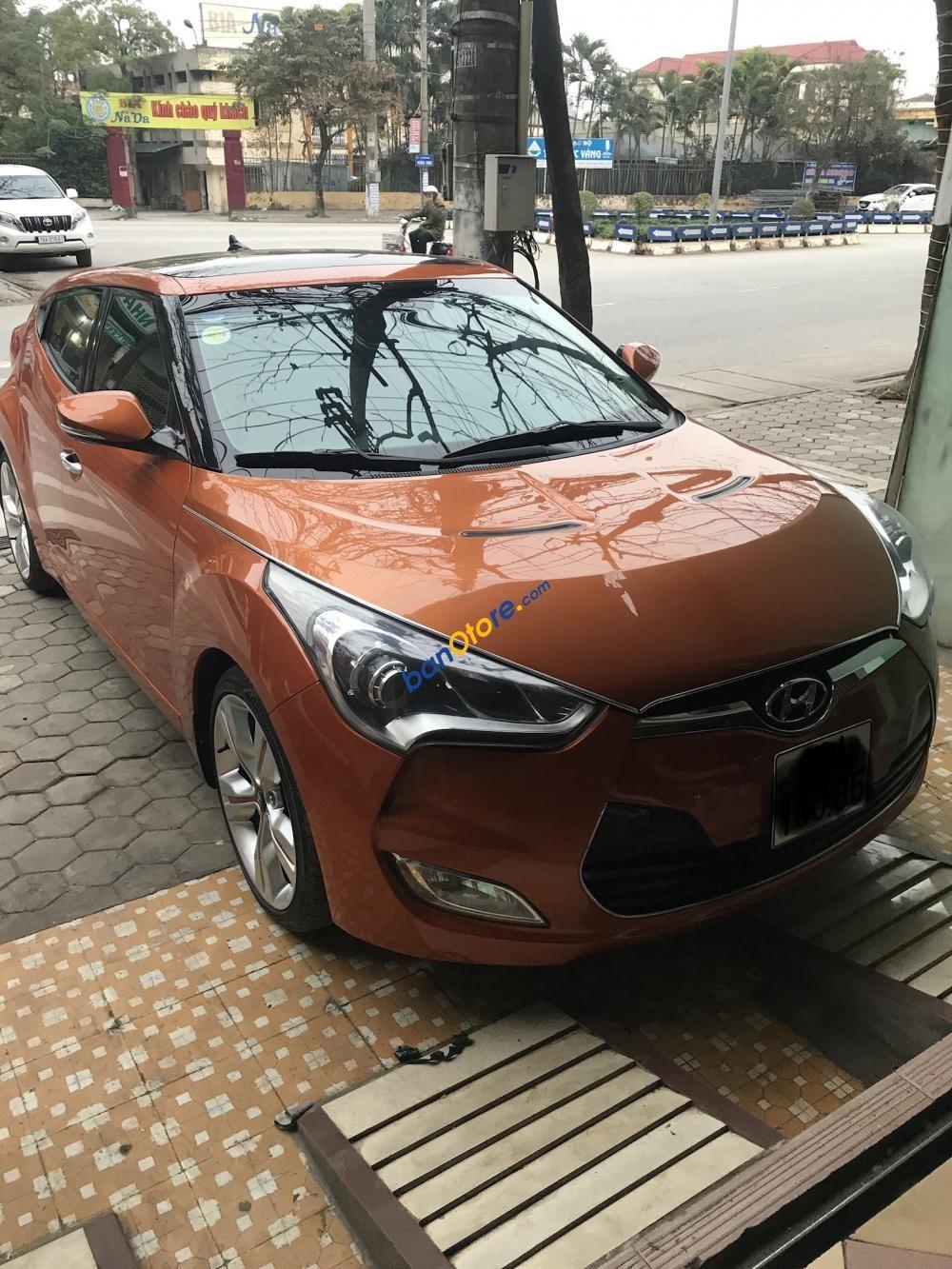 Cần bán Hyundai Veloster đời 2011, màu vàng, nhập khẩu nguyên chiếc