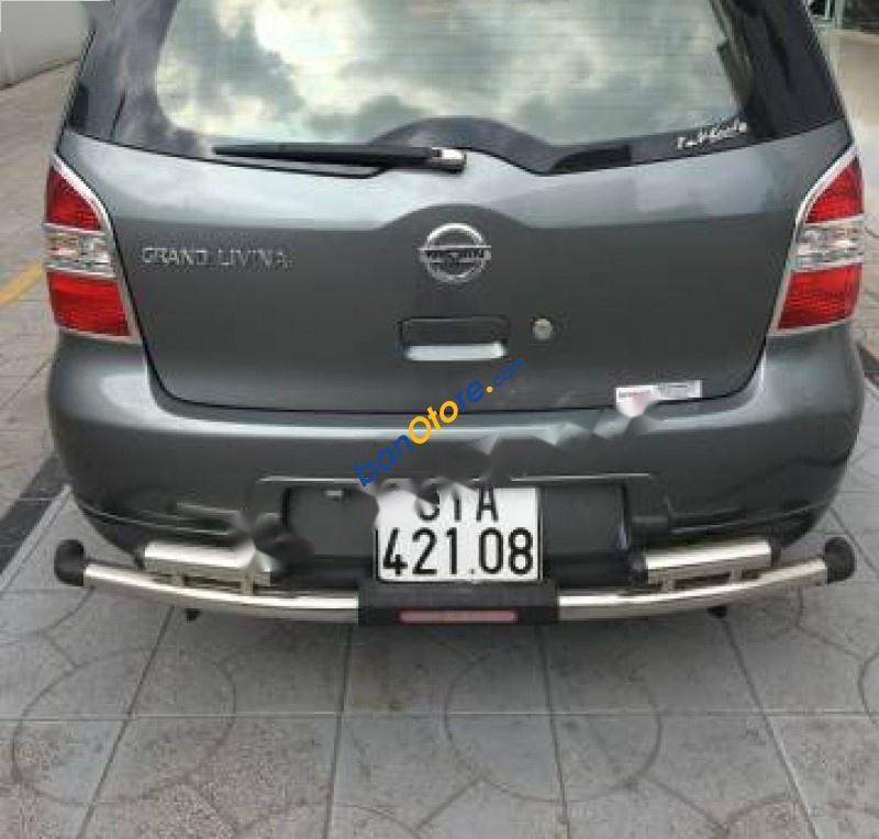 Bán ô tô Nissan Grand livina 1.8 AT 2010, màu xám