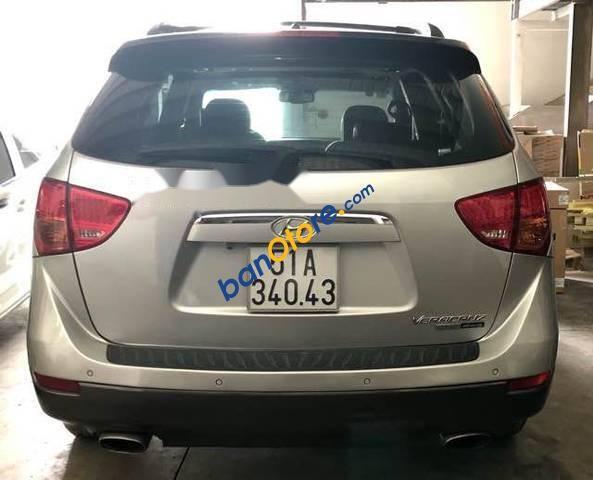 Cần bán gấp Hyundai Veracruz V6 đời 2007, màu bạc số tự động, giá tốt