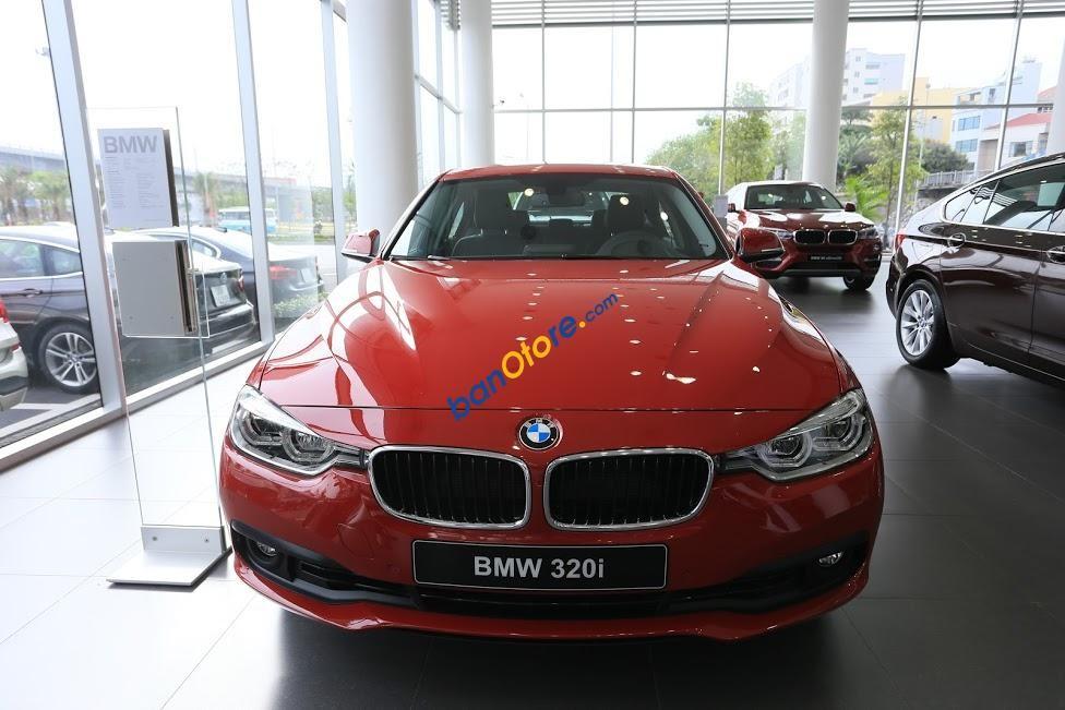 BMW Long Biên- BMW 320i nhập nguyên chiếc giao xe luôn, màu đỏ, trả góp 85%
