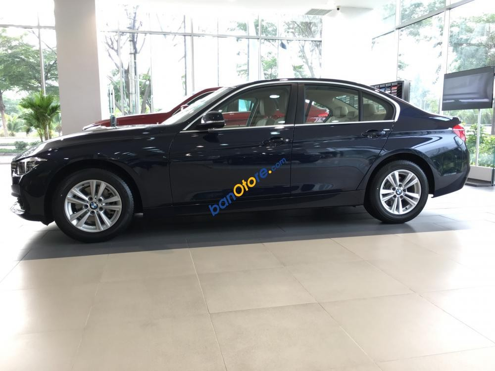 Lô xe nhập khẩu mới nhất BMW 320i 2017