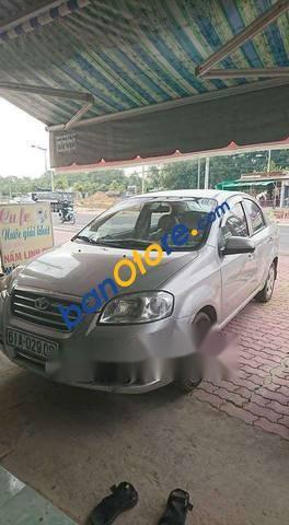 Cần bán xe Daewoo Gentra năm sản xuất 2011, màu bạc, 239 triệu