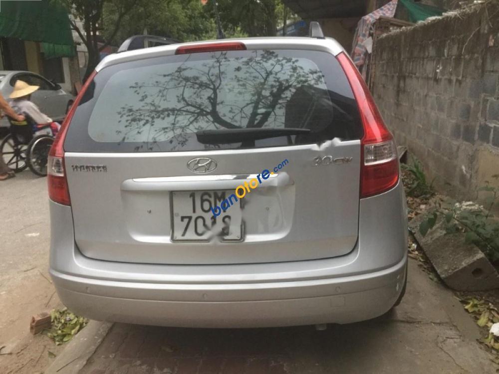 Cần bán xe Hyundai i30 CW đời 2010, màu bạc, nhập khẩu, chính chủ, giá 365tr
