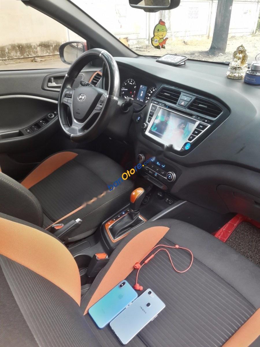Bán ô tô Hyundai i20 Active sản xuất năm 2016, màu đỏ, nhập khẩu Hàn Quốc