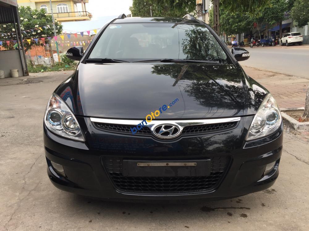 Cần bán Hyundai i30 CW sản xuất 2009, màu đen, nhập khẩu nguyên chiếc