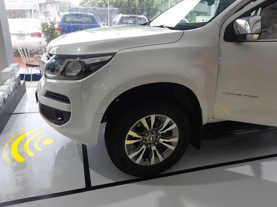 Cần bán xe Chevrolet Trail Blazer LTZ sản xuất năm 2019, màu trắng, nhập khẩu nguyên chiếc