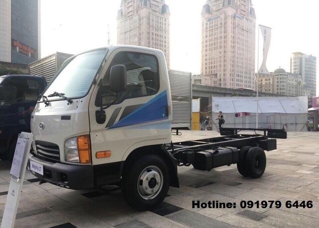 Cần bán xe Hyundai Mighty 2.5T năm 2018, màu trắng