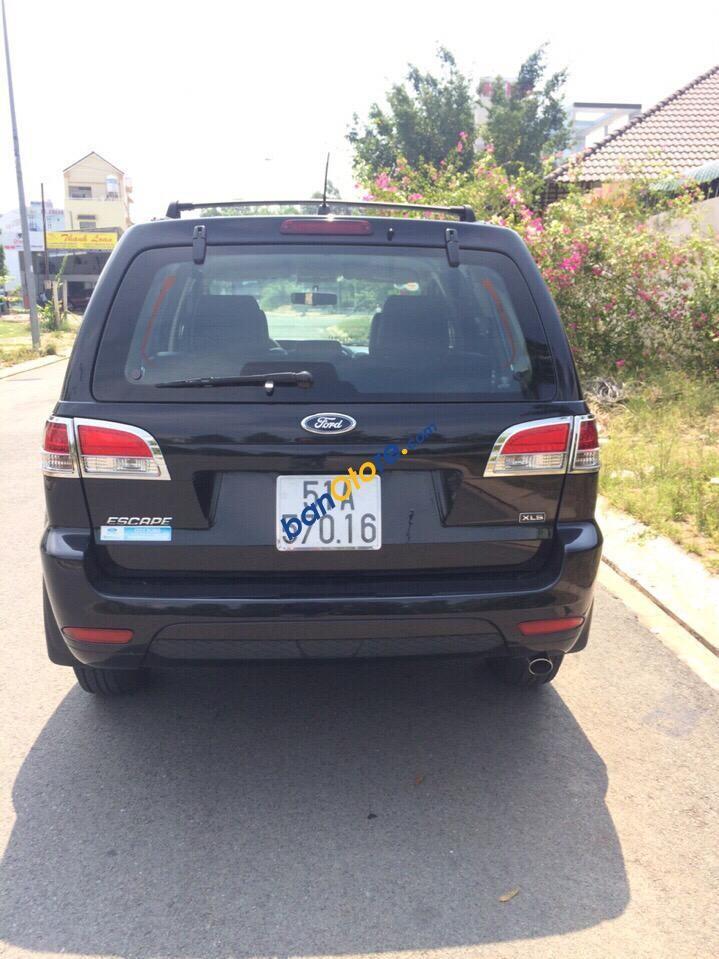 Cần bán xe Ford Escape sản xuất 2010 màu đen, 435 triệu