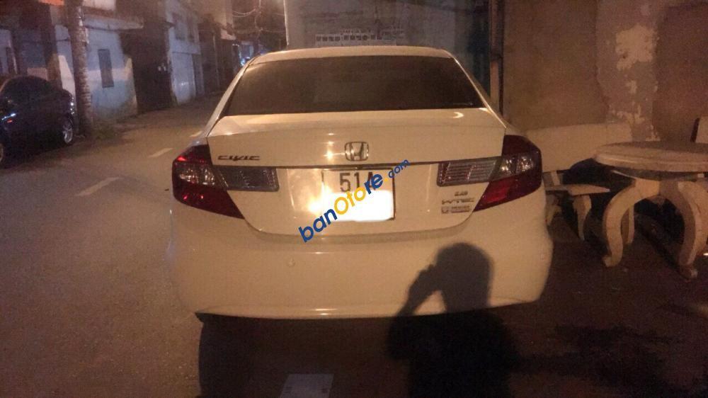 Bán Honda Civic 1.8 AT 2012, màu trắng, biển TP, giá thương lượng, hỗ trợ góp