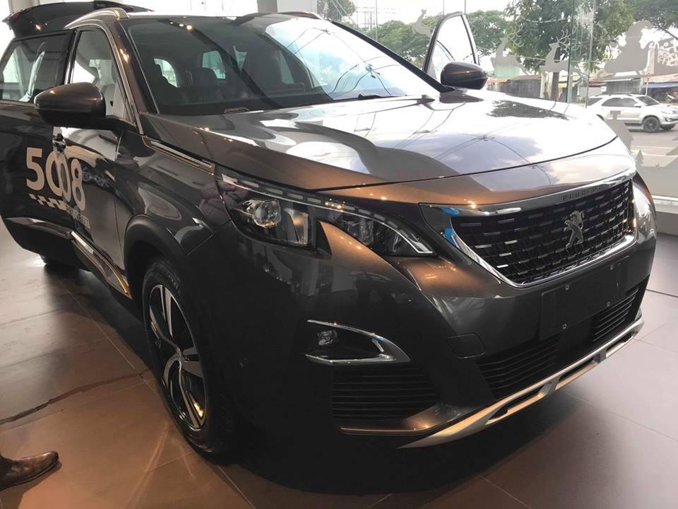 Peugeot Hải Phòng, khuyến mại khủng giá xe Peugeot 5008 SUV 2018, màu xám có xe giao ngay