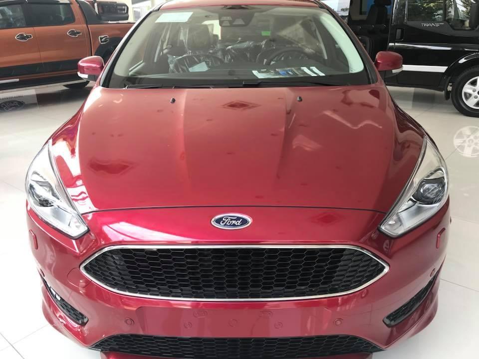 Bán xe Ford Focus Trend 1.5L AT sản xuất 2019, màu đỏ