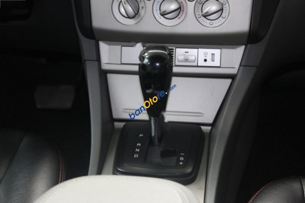 Chính chủ bán xe Ford Focus 1.8 AT năm sản xuất 2011, màu hồng phấn