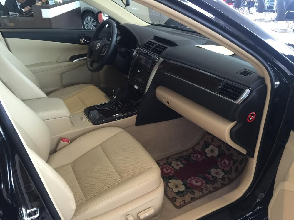 Toyota Camry 2.0E 2018 khuyến mại hấp dẫn, hỗ trợ vay tới 85%