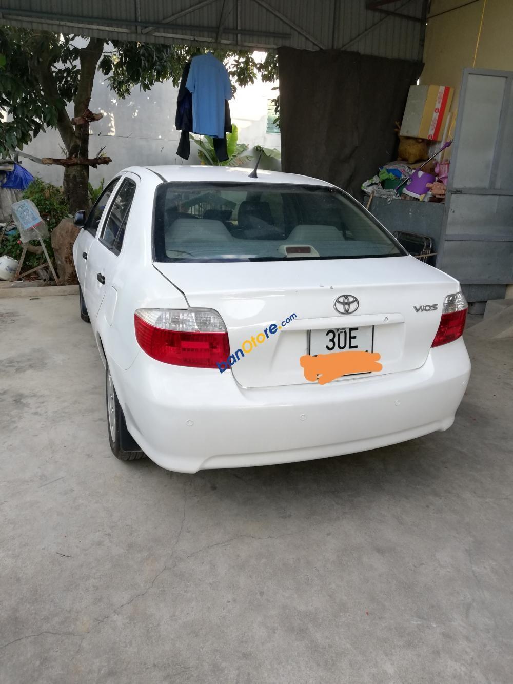 Bán Toyota Vios E năm 2005, màu trắng còn mới