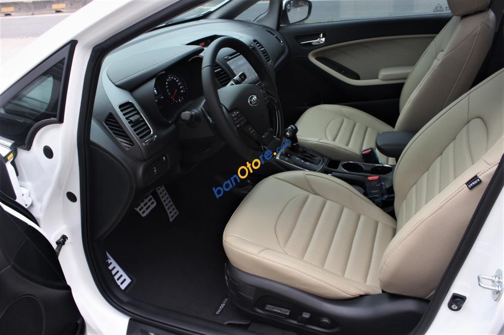 Bán ô tô Kia Cerato 1.6 SMT năm sản xuất 2018, màu đỏ, giá tốt