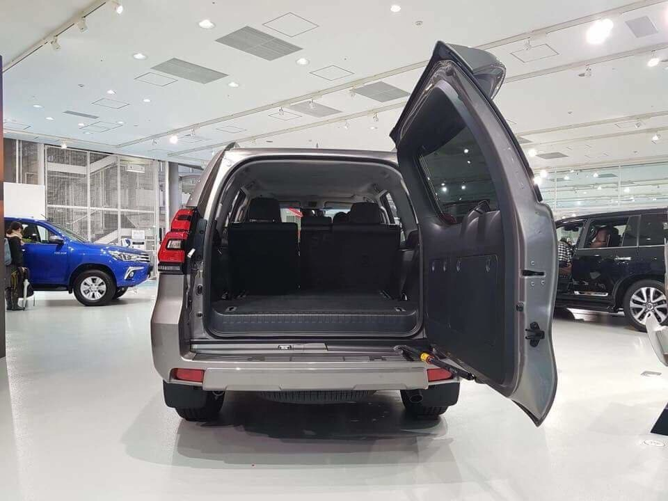 Bán xe Toyota Prado 2.7 VX sản xuất năm 2018, màu nâu, xe nhập