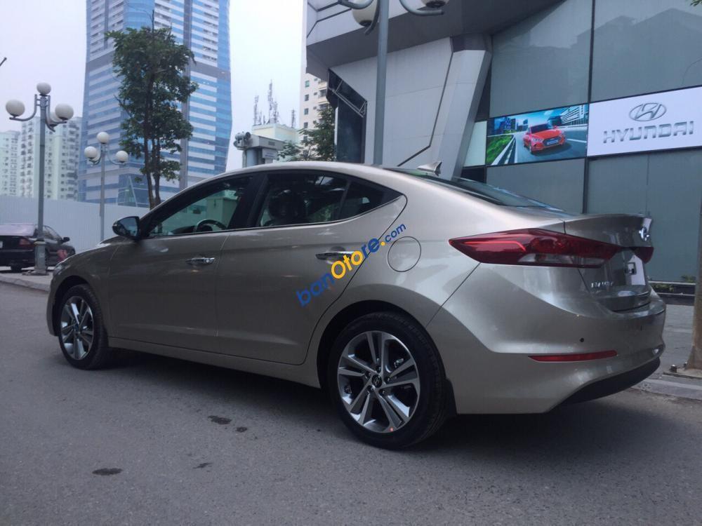 Bán Hyundai Elantra 2.0 AT sản xuất 2019 đủ màu, giá 659 triệu + KM 15 triệu - Liên hệ 091 992 9923
