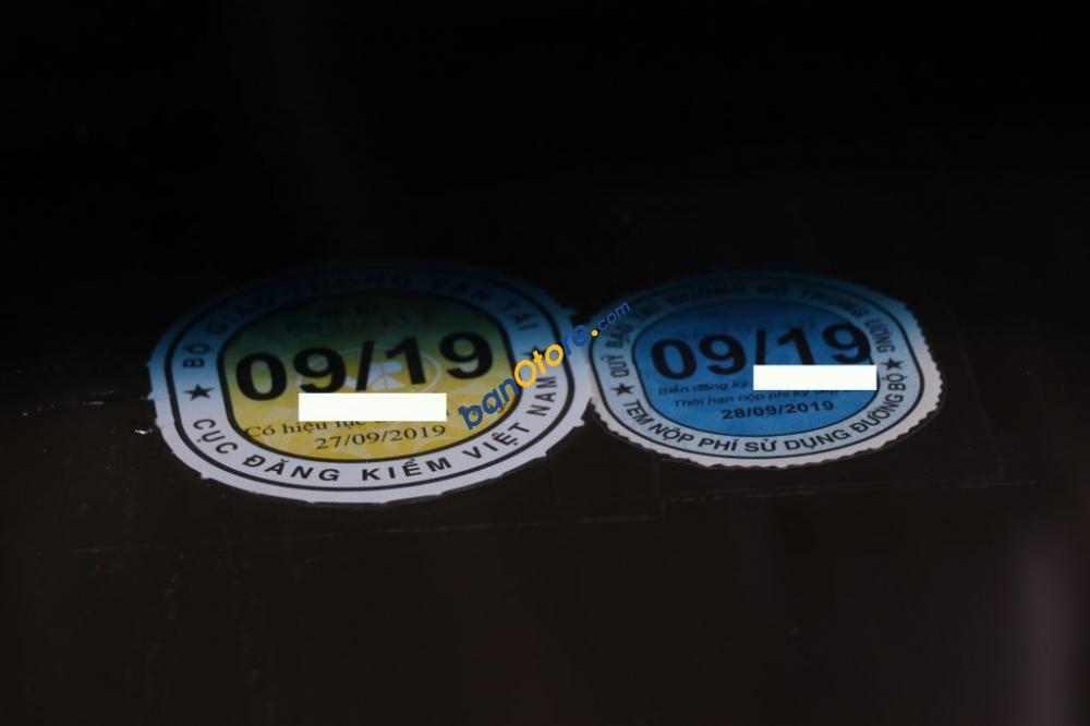 Cần bán xe Honda Civic 1.8MT 2011, màu đen