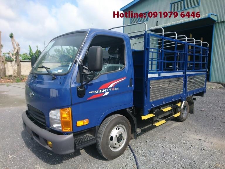 Hyundai 2.5T thùng bạt Euro4, màu xanh, giao ngay