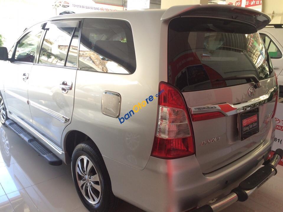 Bán Innova G năm sản xuất 2015, màu bạc, xe gia đình đi 41.000km