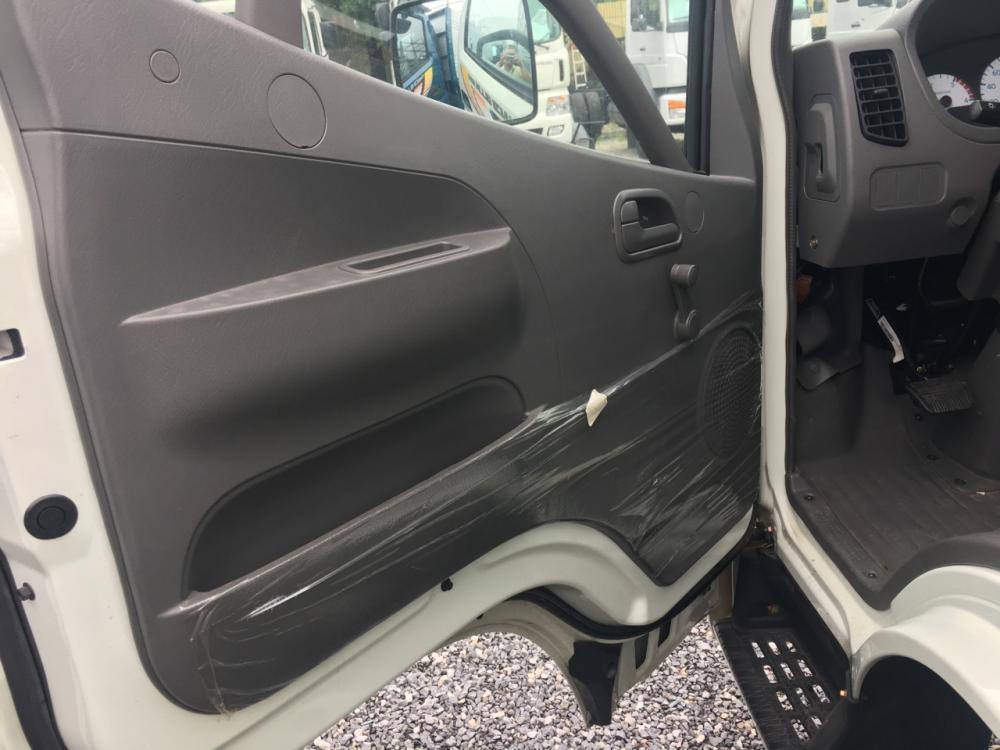 Bán xe Thaco OLLIN sản xuất năm 2017, màu trắng, giá tốt
