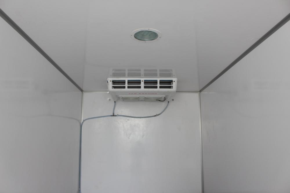 Bán Hyundai Mighty N250 thùng đông lạnh, sản xuất năm 2018, màu trắng giá cạnh tranh