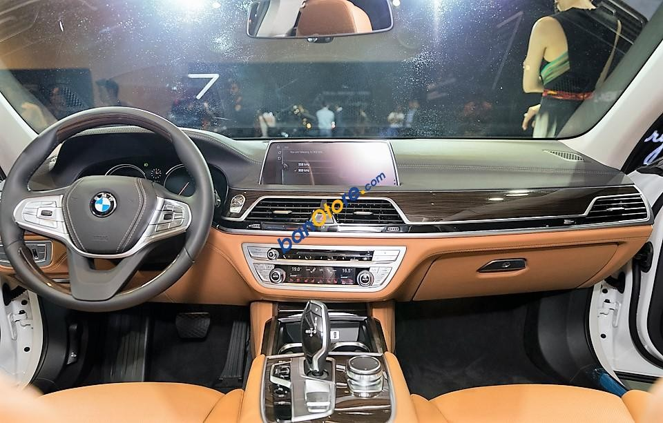 BMW 7 Series đẳng cấp, nhập khẩu nguyên chiếc, xe giao ngay khuyến mãi trực tiếp 100 triệu