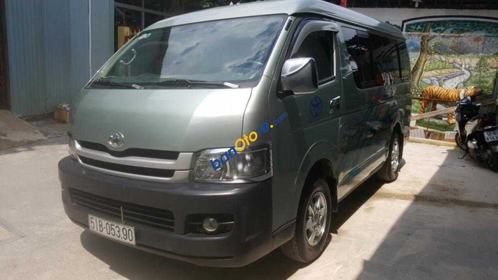 Cần bán xe Toyota Hiace sản xuất 2010, màu xanh