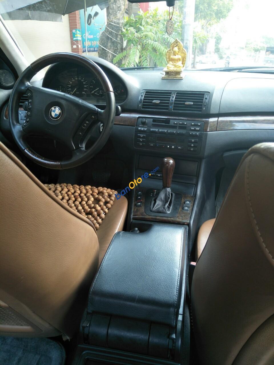 Gia đình bán BMW 318i sản xuất 2003 số tự động, chính chủ, tôi công chức đi ít lên xe còn rất đẹp máy cực ngon nổ êm ru