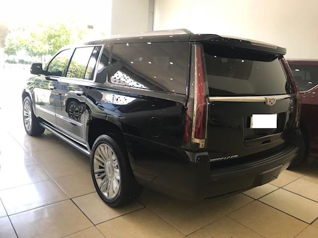 Bán Cadilac Escalede ESV Platium màu đen xe sản xuất cuối 2015, đăng ký 2016 như mới