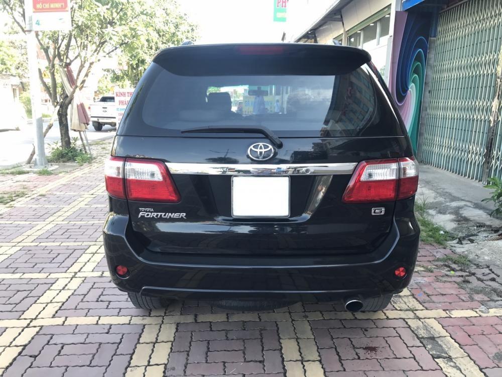 Bán Toyota Fortuner G 2011, màu đen