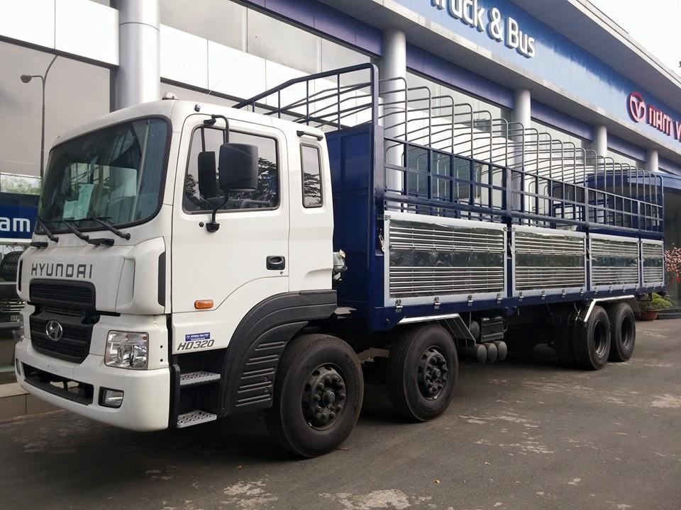 Cần bán xe Hyundai HD 320-18 tấn 2019, màu trắng, xe nhập