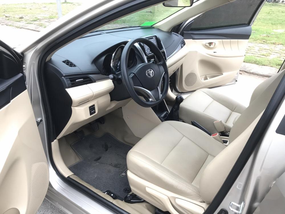 Bán ô tô Toyota Vios 1.5 E 2017, màu nâu vàng