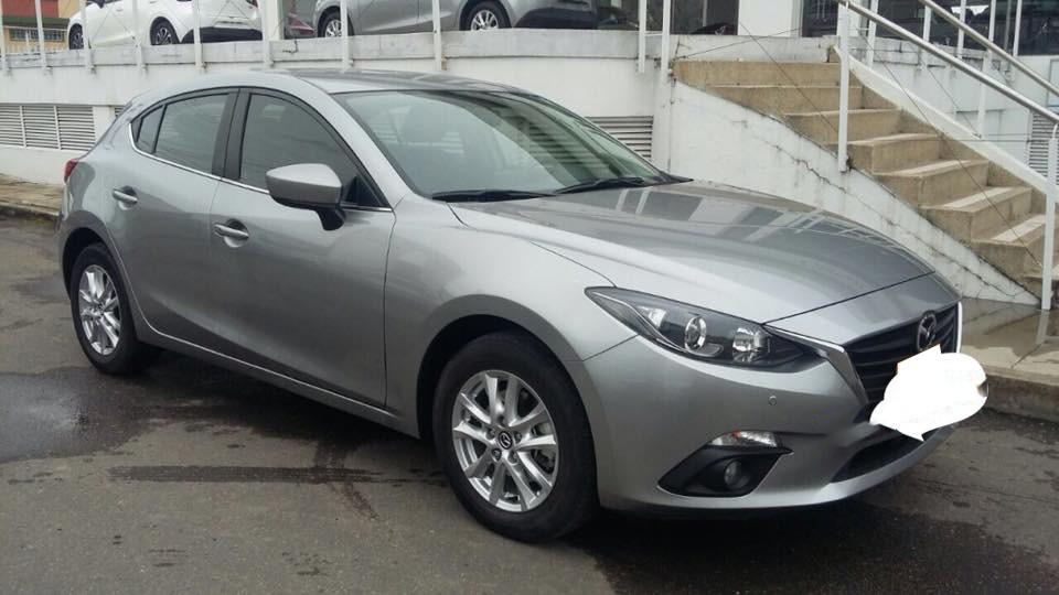 Cần bán gấp Mazda 3 2015 Hatchback, màu xám chì