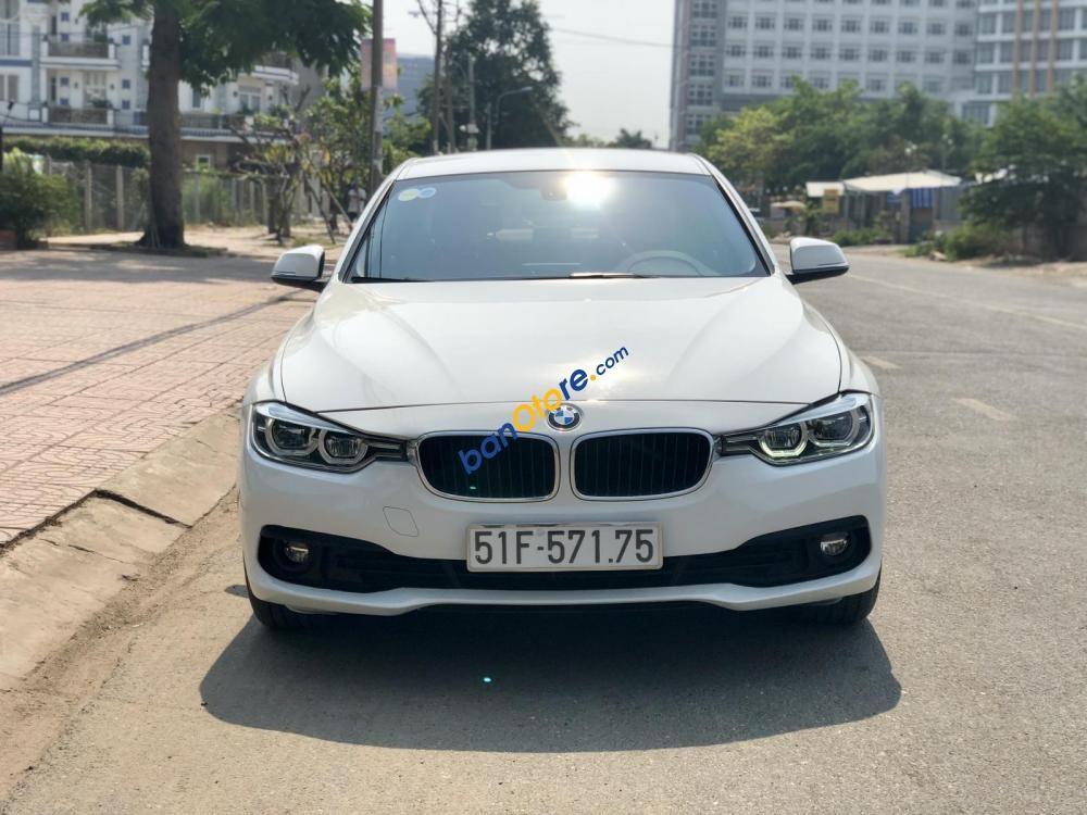 Bán ô tô BMW 3 Series 320i năm 2015, màu trắng, nhập khẩu nguyên chiếc