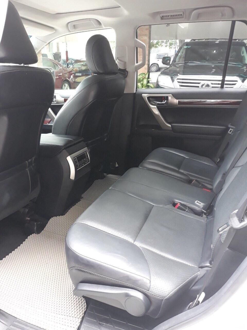 Bán xe Lexus GX 460 đời 2016 màu trắng