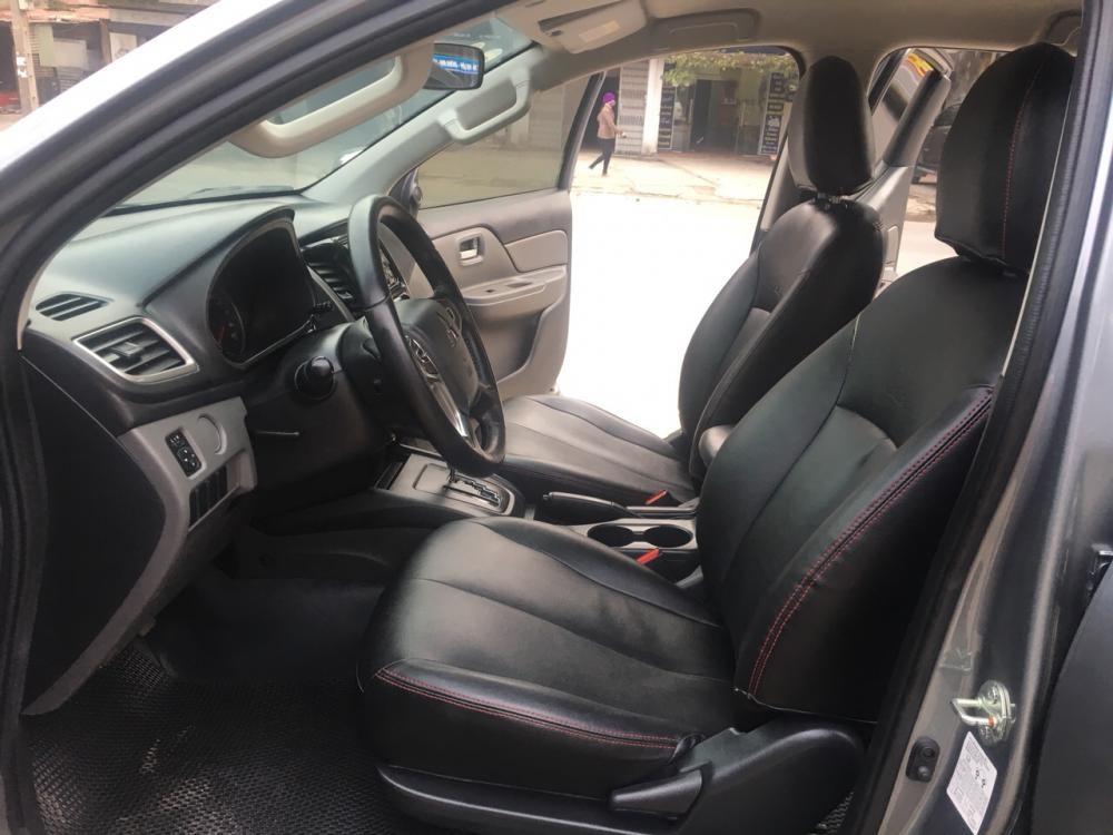 Cần bán gấp Mitsubishi Triton 2017, màu xám, nhập khẩu nguyên chiếc