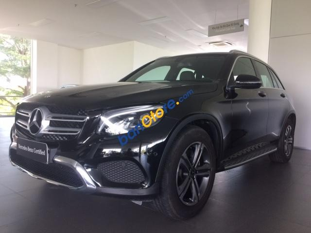 Bán ô tô Mercedes GLC200 năm 2018, màu đen mới 95%
