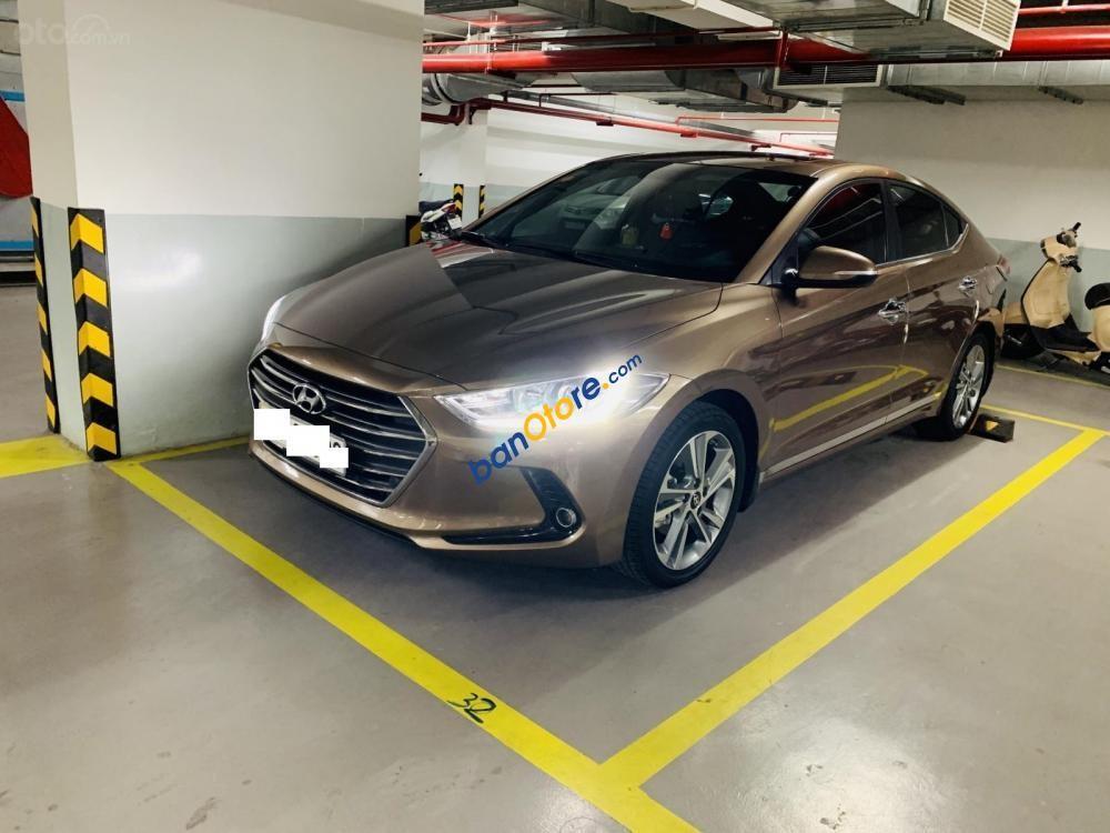 Cần bán Hyundai Elantra GLS 2.0 sản xuất năm 2016, màu nâu chính chủ, 625 triệu