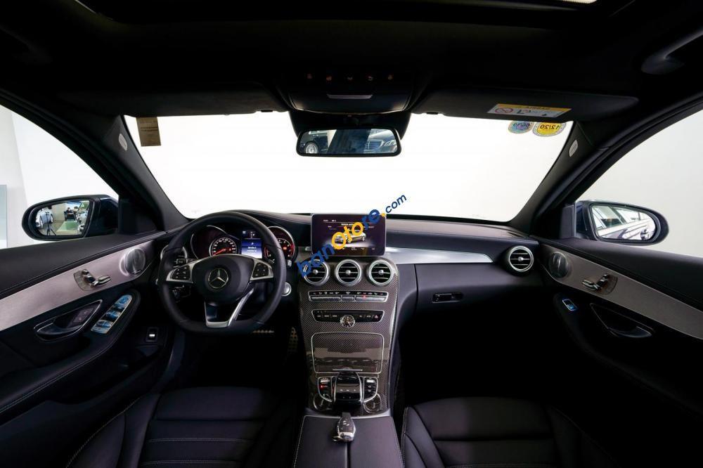 Cần bán xe Mercedes C300 AMG năm sản xuất 2017, màu xanh lam